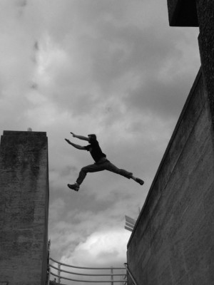 jump-1435001-639x852